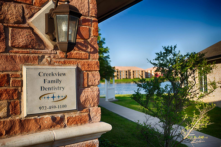 Creekview Family Dentistry sign